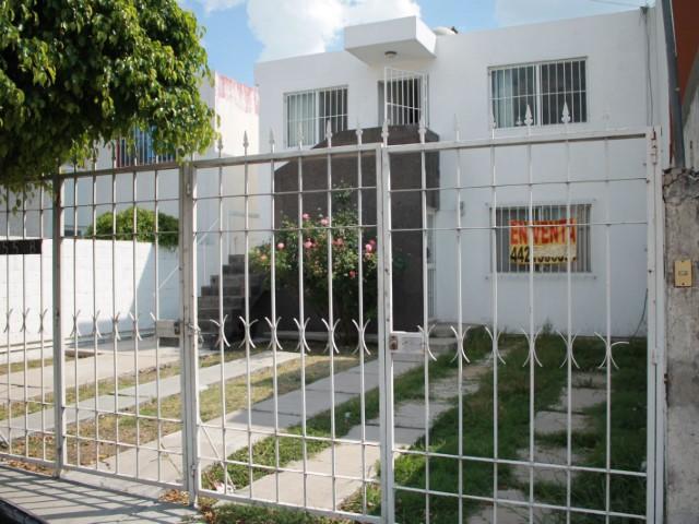 Casa en venta en jardines de la hacienda queretaro for Jardines de la hacienda